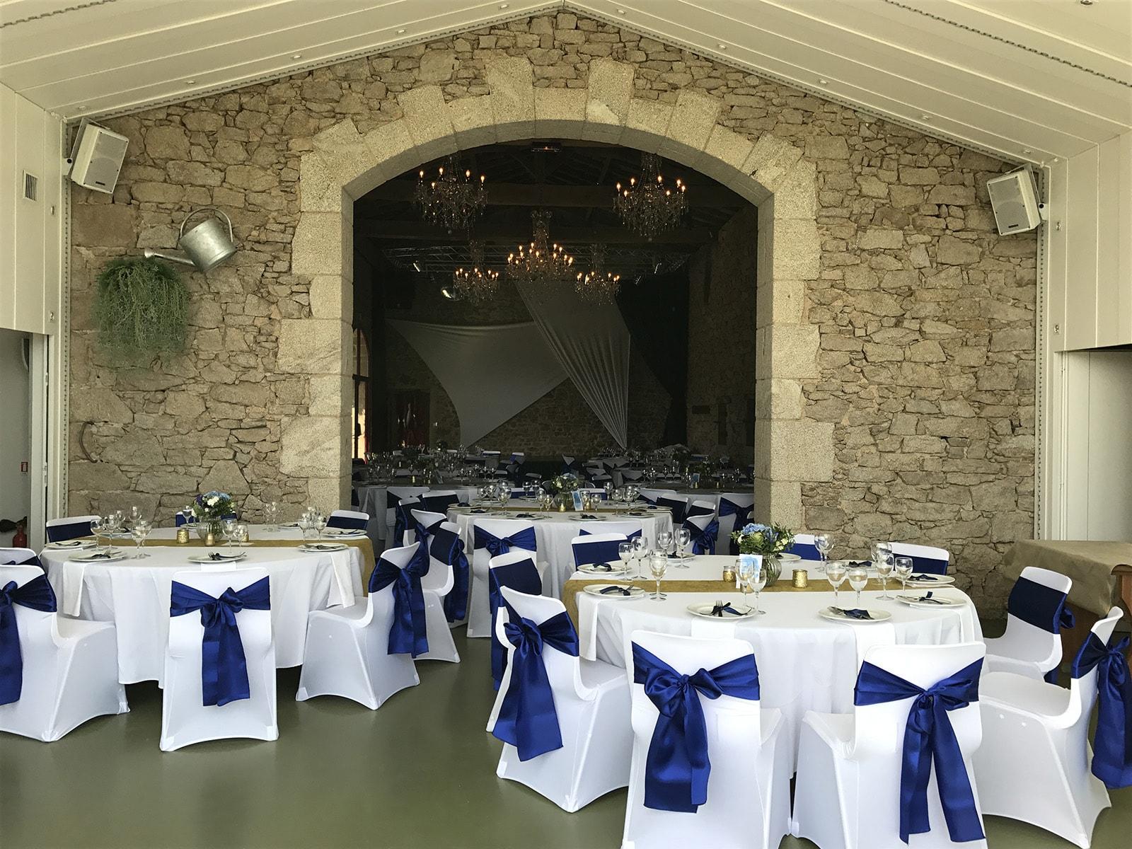 salle reception mariage vendee la vall e de la roche. Black Bedroom Furniture Sets. Home Design Ideas